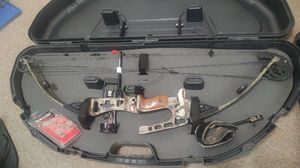 Pse archery 70 lbs trade for chainsaw for Sale in Port Lavaca, TX