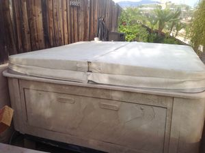 8' Coast spa -hot tub (Free) for Sale in El Cajon, CA
