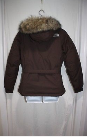 Brand new womens small Northface 550 with fur hood.... for Sale in Adelphi, MD