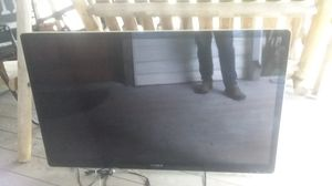 55 inch Sony with contols for Sale in Beavercreek, OR