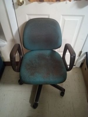 Computer desk chair (had 5 yrs) for Sale in Bangor, ME