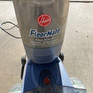 Hoover Floor Mate Deluxe Vacuum for Sale in Litchfield Park, AZ