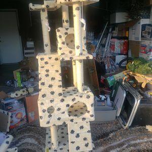 Cat House for Sale in Kerman, CA