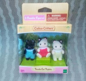 EPOCH CALICO CRITTERS TUXEDO CAT TRIPLETS NEW for Sale in FALLING WTRS, WV