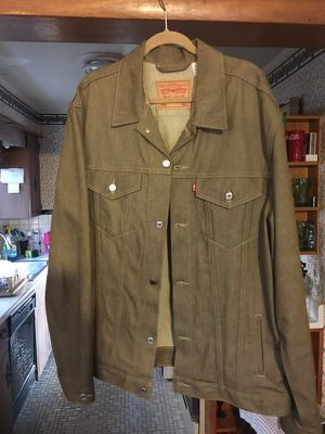 Levi's Jean jacket w/ matching jeans for Sale in Columbus, OH