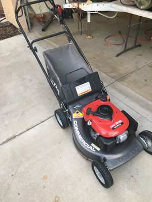 Honda HRC 215 commercial self propelled lawn mower. Runs excellent. 2 speed trans. for Sale in Visalia, CA