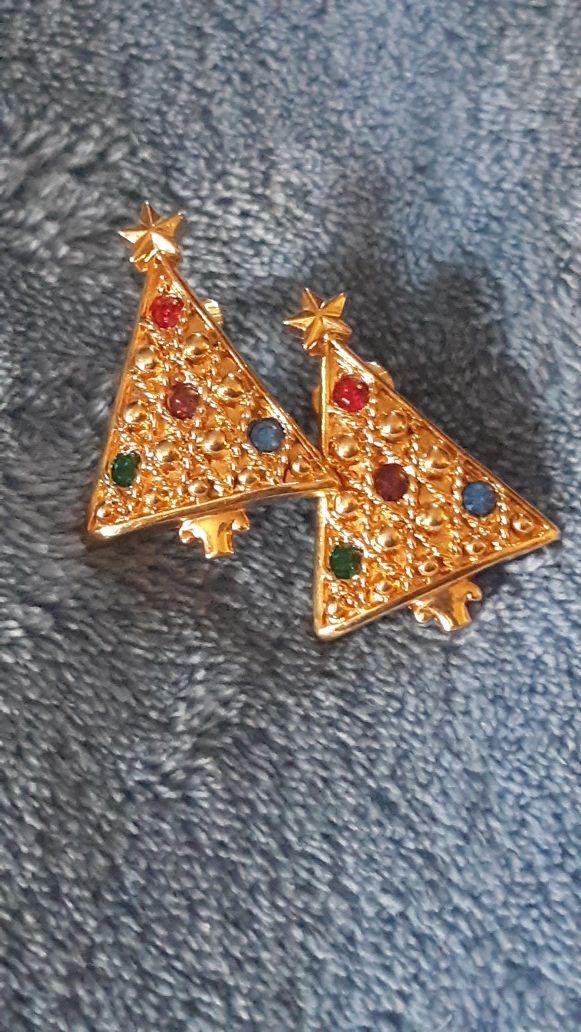 Vintage Avon Christmas Tree Earrings