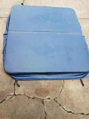 Hot tub cover for Sale in Coraopolis, PA