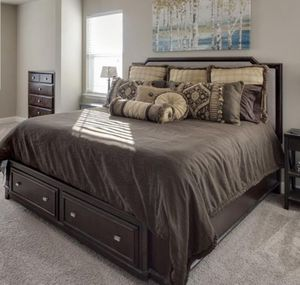 King size bed with storage drawers. (Mattress is not included) for Sale in OLD RVR-WNFRE, TX