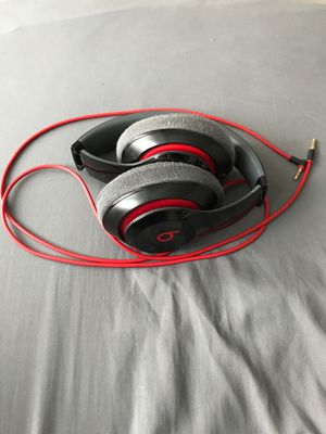 Beats headphones wireless Bluetooth for Sale in Orlando, FL