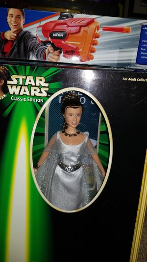 "NIB STAR WARS Classic Edition: 1999 Portrait Edition Princess Leia ""CEREMONIAL GOWN"" Collection for Sale in Chippewa Falls, WI"