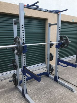 SQUAT / POWER RACK AND OLYMPIC WEIGHT SET !! for Sale in Zephyrhills, FL