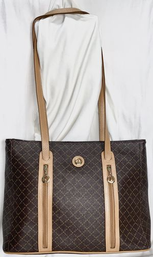La Tour Eiffel Large Brown Leather Tote bag for Sale in Falls Church, VA
