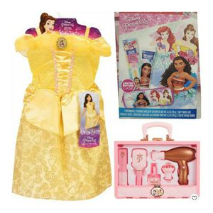 Disney Princess Bundle for Sale in The Bronx, NY
