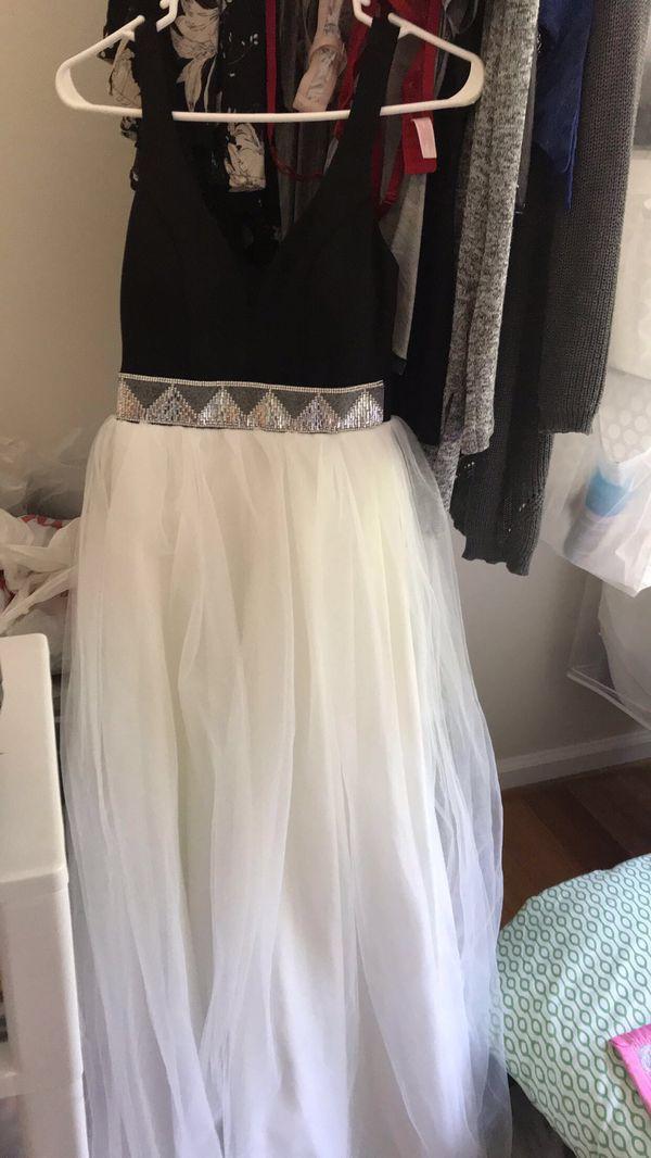 Macy's black and white prom dress