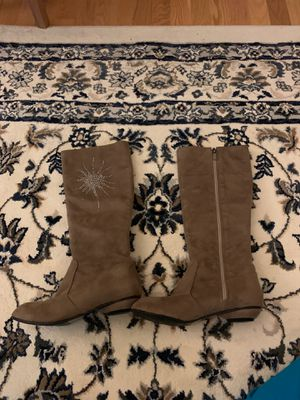Suade women's boots size 6 and half for Sale in Fairfax, VA