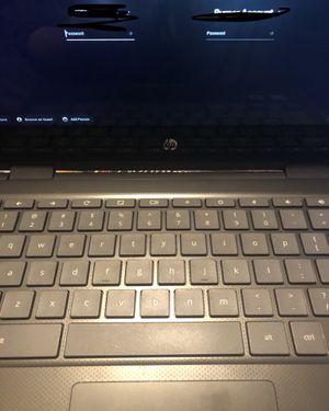 Touch screen chromebook 14 in Good condition for Sale in New York, NY