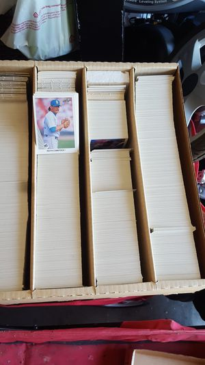Big box of Leaf baseball cards 1990 for Sale in Tracy, CA