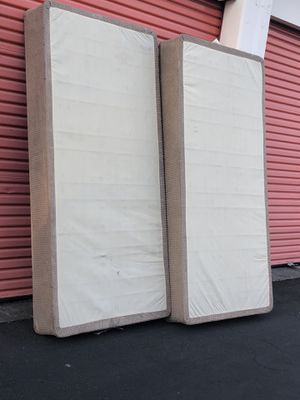 King size box springs for Sale in Pinole, CA
