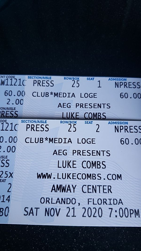 Sold out ! LUKE COMBS $200 each