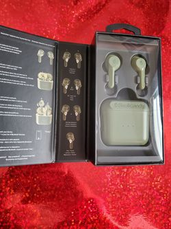SkullCandy wireless earbuds for Sale in Springfield,  MO