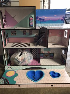 LOL DOLLS DOLL HOUSE for Sale in Lake Forest Park, WA
