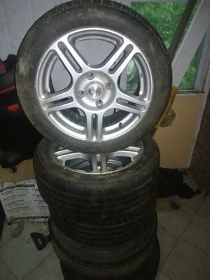 4 lug rims set of 5 including the spare tire 4lug 4.5inch or114.3mm for Sale in Burlington, NJ