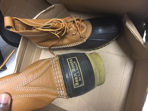 L.L bean shoes, kids bath and graco play yard for Sale in Baltimore, MD