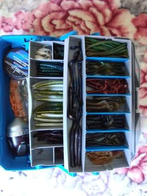 Fishing tackle box for Sale in Los Angeles, CA