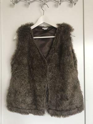 Faux Fur Vest (excellent quality faux Fur!) for Sale in Arlington, VA