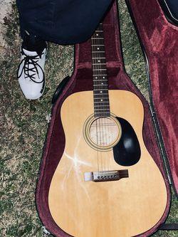 Guitar for Sale in Los Angeles,  CA