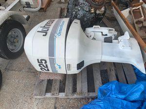 225 Johnson outboard motor for Sale in Pompano Beach, FL