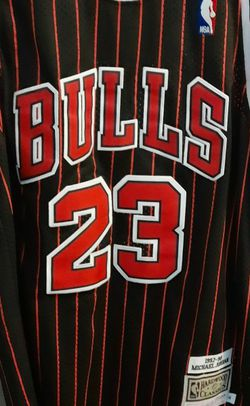Michael Jordan 1997-98 Mitchell & Ness Hardwood Classic Jersey for Sale in Fresno,  CA