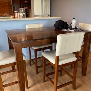 High Top, Kitchen Table With 4 Leatherette chairs for Sale in Fort Lauderdale, FL