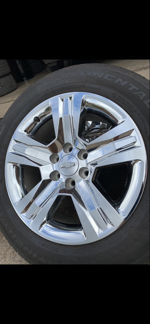 20 INCH ORIGINAL CHEVY SILVERADO FACTORY RIMS WITH 275/55R20 CONTINENTAL TIRES WITH SENSORS for Sale in Grand Prairie, TX