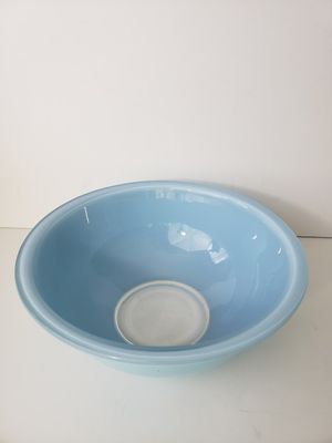 Corning Pyrex 325 TURQUOISE Bowl for Sale in Orlando, FL