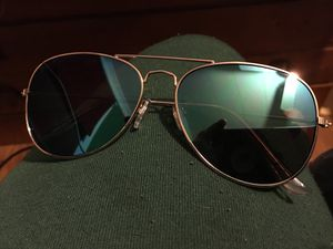 Really nice sunglasses for Sale in Litchfield, CT