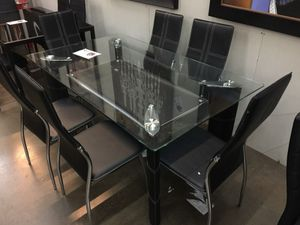 Fancy dining room table with 6 chairs for Sale in Dallas, TX