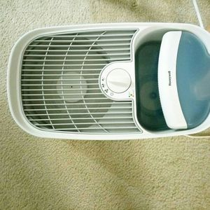 Honeywell HCM350W Germ Free Cool Mist Humidifier White for Sale in Potomac, MD