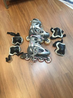 Size 6 rollerblades with knee and elbow pads for Sale in Silver Spring, MD