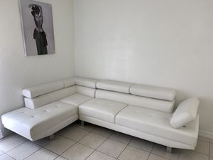 White Sectional Sofa $599 / Financing Available for Sale in Miami, FL