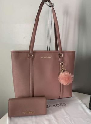 Michael Kors large tote bag with matching wallet for Sale in Westminster, CA