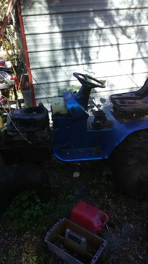 Non functional lawn mower for Sale in Tampa, FL