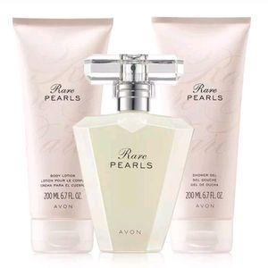 Rare pearls Avon women perfume set for Sale in Staten Island, NY