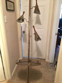 Vintage light with table for Sale in Abilene,  TX