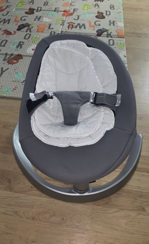 Nuna leaf baby grow swing glider chair for Sale in Hickory, PA