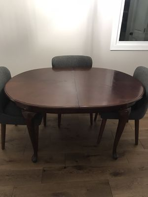 Dinning table for Sale in Charlotte, NC