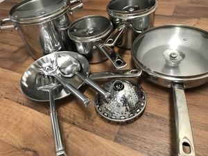 13 pc stainless steel macys set for Sale in Redmond, WA