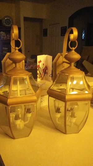 Garage out door lamps for Sale in Clermont, FL