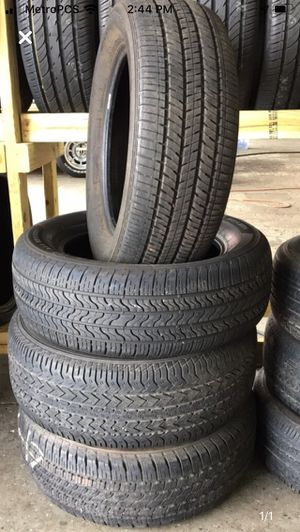 (4) used 235/60/17 tires for Sale in Orlando, FL